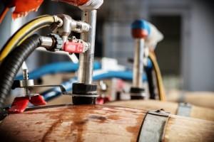 Barriques de vin : quels sont les procédés utilisés par les équipes d'H&A pour nettoyer les barriques ?